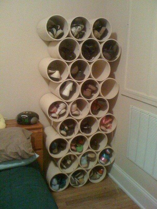 Closet para sapatos com materiais reciclados.