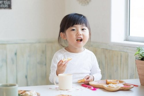 Dois modelos de dieta para crianças com problemas de obesidade