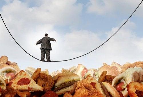 Como superar o vício pela comida ao começar uma dieta