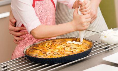 Deliciosa torta de maçã com creme