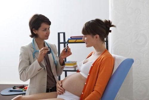 A diabetes gestacional é uma doença comum durante a gravidez