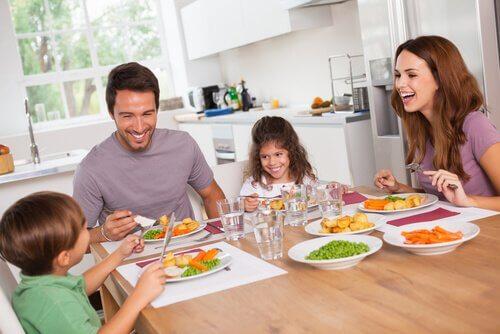 Familia com dieta baixa em carboidratos