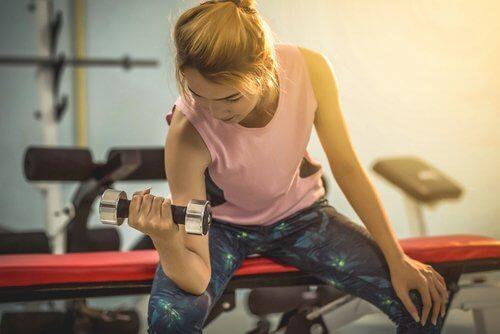 Fazer exercícios ajuda a obter um corpo de revista