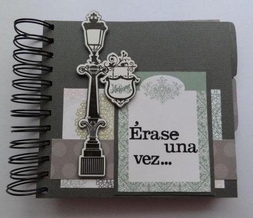 Aproveite para enfeitar os cadernos velhos