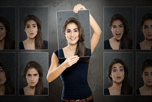 Diferentes rostos de uma pessoa bipolar