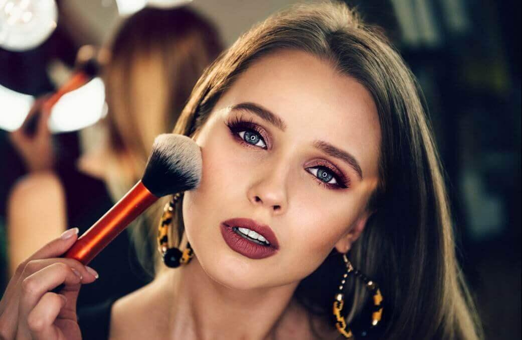 Conheça a escolha ideal de maquiagem para iniciantes