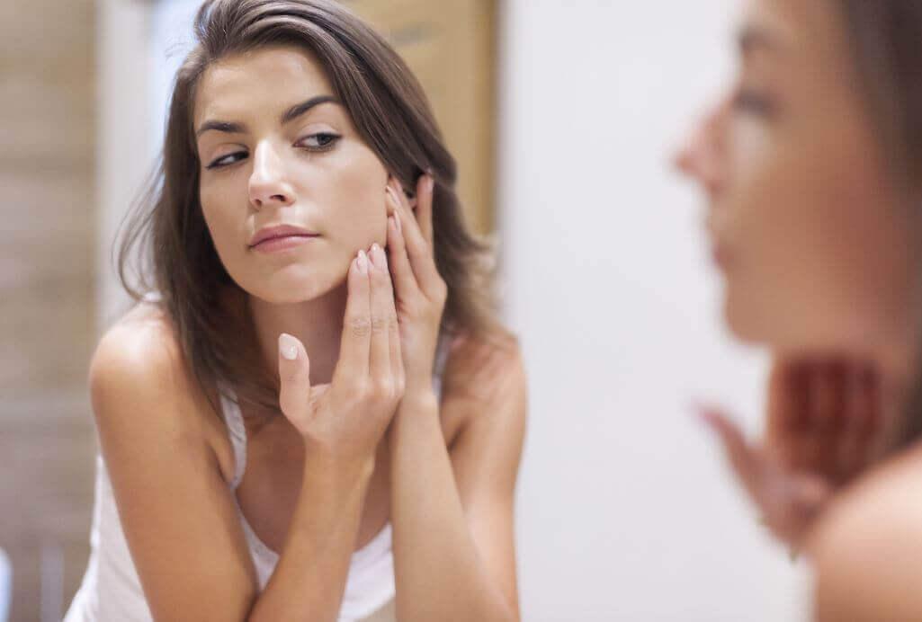 Cuide do rosto com estes simples passos