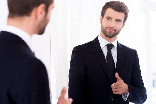 Homem com confiança em si mesmo