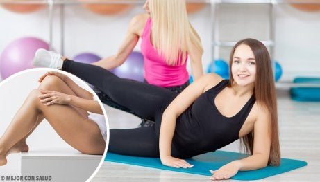 Mulheres praticando treinamento oclusivo e hipertrofia muscular