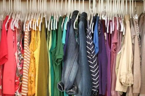 Cores no guarda-roupa