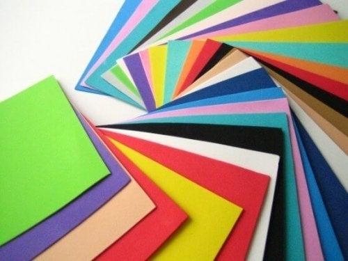 Eva de diferentes cores para fazer artesanatos simples