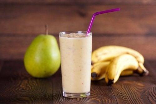 Vitamina de pera e banana
