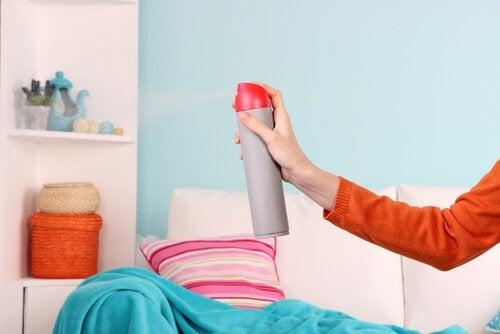 5 formas de eliminar o cheiro de umidade de espaços fechados