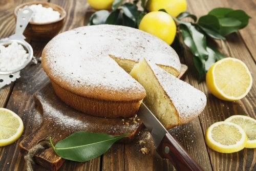 Aprenda a preparar uma deliciosa torta de limão com creme
