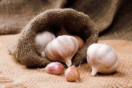 Chaves para perder peso com alho