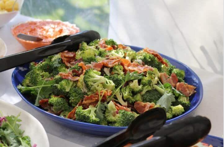 Caçarola de brócolis e presunto serrano