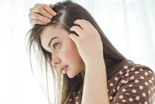 Sal marinho para o cabelo oleoso
