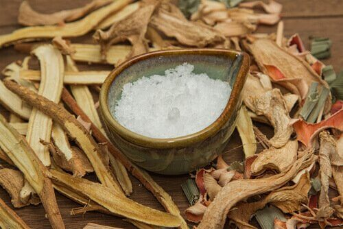 Cânfora ajuda a eliminar cheiros ruins