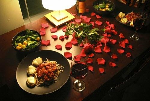 4 diferentes formas de decorar um jantar romântico