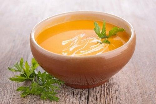 2 formas de preparar creme de cenoura