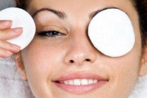 Elimine as olheiras de maneira natural e efetiva