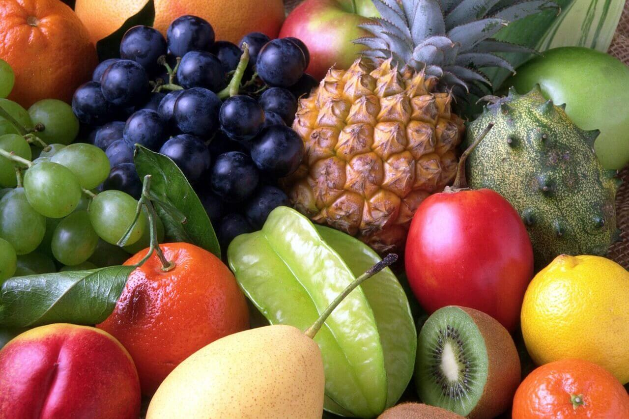 Consumir frutas ajuda a tratar os cálculos na vesícula