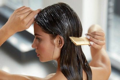 Hidratação no cabelo