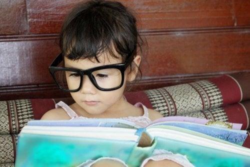 Seu filho tem que ler sozinho