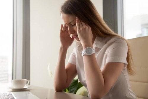 A dor de cabeça pode ser resolvida aplicando pausas ativas