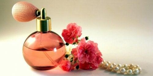 Frascos de perfumes velhos podem ser recarregados
