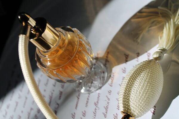 4 coisas que podemos fazer com frascos de perfumes velhos