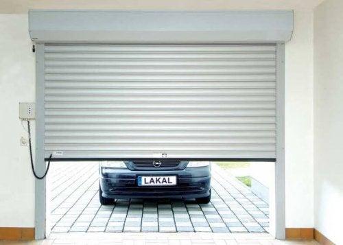 Porta de garagem moderna