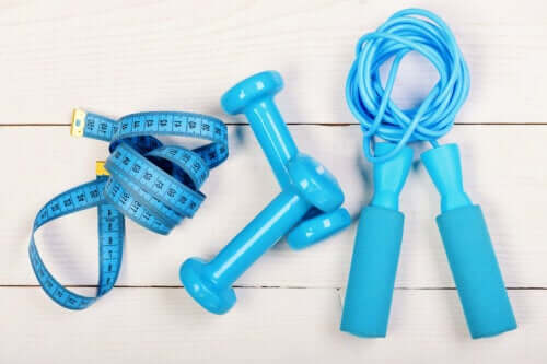 6 benefícios de pular corda, um exercício muito completo