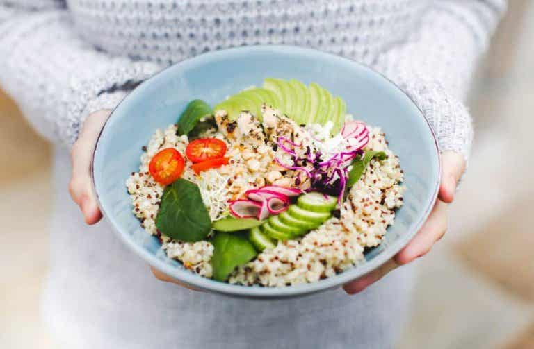 3 deliciosas saladas com quinoa