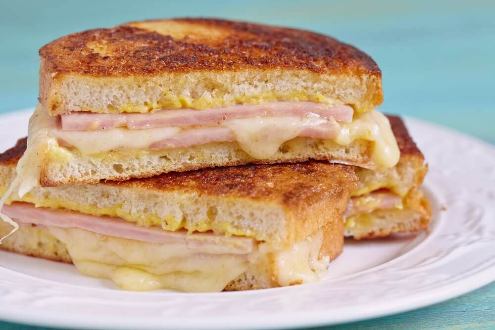 Aprenda a preparar o delicioso sanduíche Monte Cristo