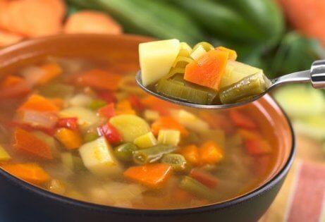 Sopa de legumes para o jantar