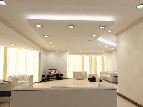 Pode decorar um teto falso com luzes