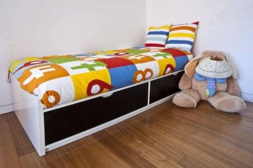 Cama modular em quarto de criança