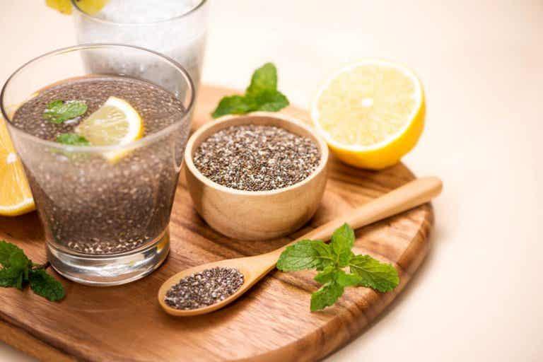 Água com limão e linhaça: ajuda a perder peso?