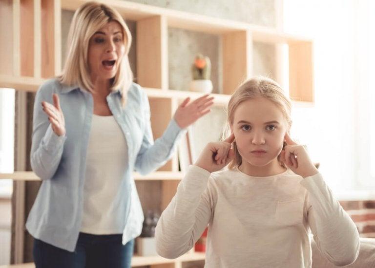 Meu filho desafia meus limites: como devo encarar isso?