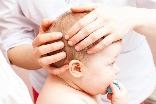 O que fazer se meu bebê bater a cabeça