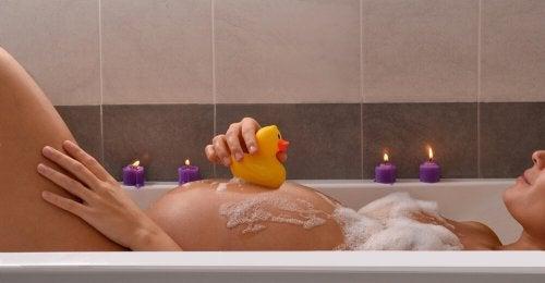8 remédios naturais que ajudam a adiantar o parto