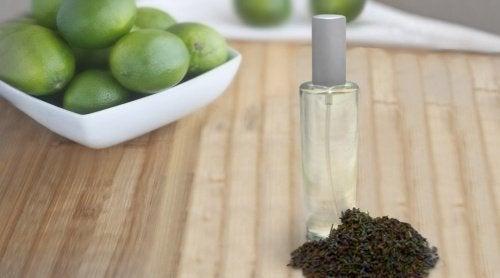 Como fazer um spray aromatizante para eliminar odores?