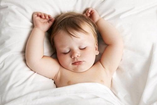Nenem dorminaod sem cólicas
