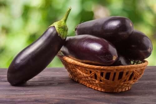 Tintura de berinjela: fórmula natural para reduzir o colesterol?
