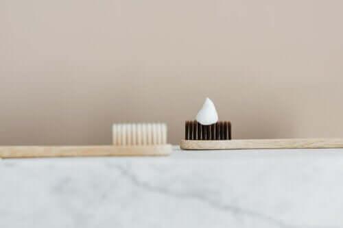 Usos alternativos do creme dental que você vai gostar de conhecer