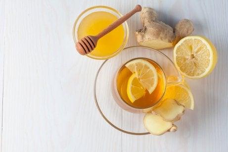 Gengibre, mel e limão para tratar a tosse
