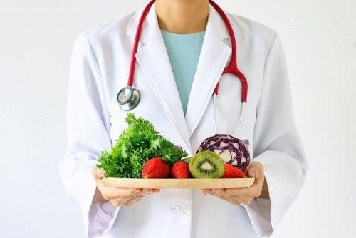 Tente manter uma dieta incluindo frutas e verduras