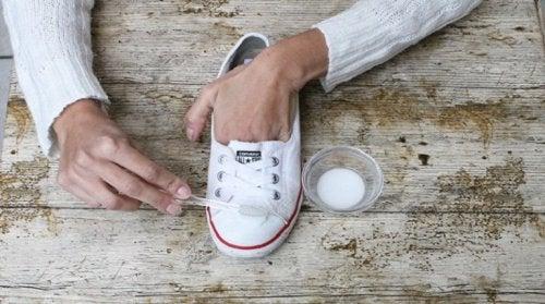 Limpeza dos calçados