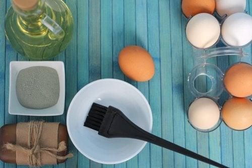 3 remédios com ovo para hidratar os cabelos secos